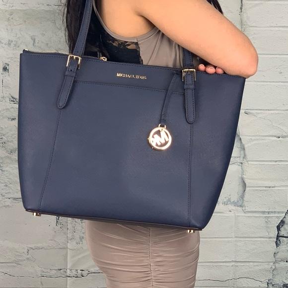 7b664d117757 Michael Kors Bags | Nwt Ciara Lg Tote Navy Blue | Poshmark